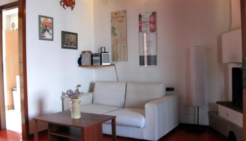 FOTO 10 soggiorno